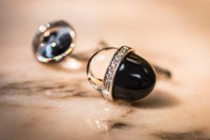 Gemelli in oro bianco 18 kt, onice e quarzo ialino e diamanti: